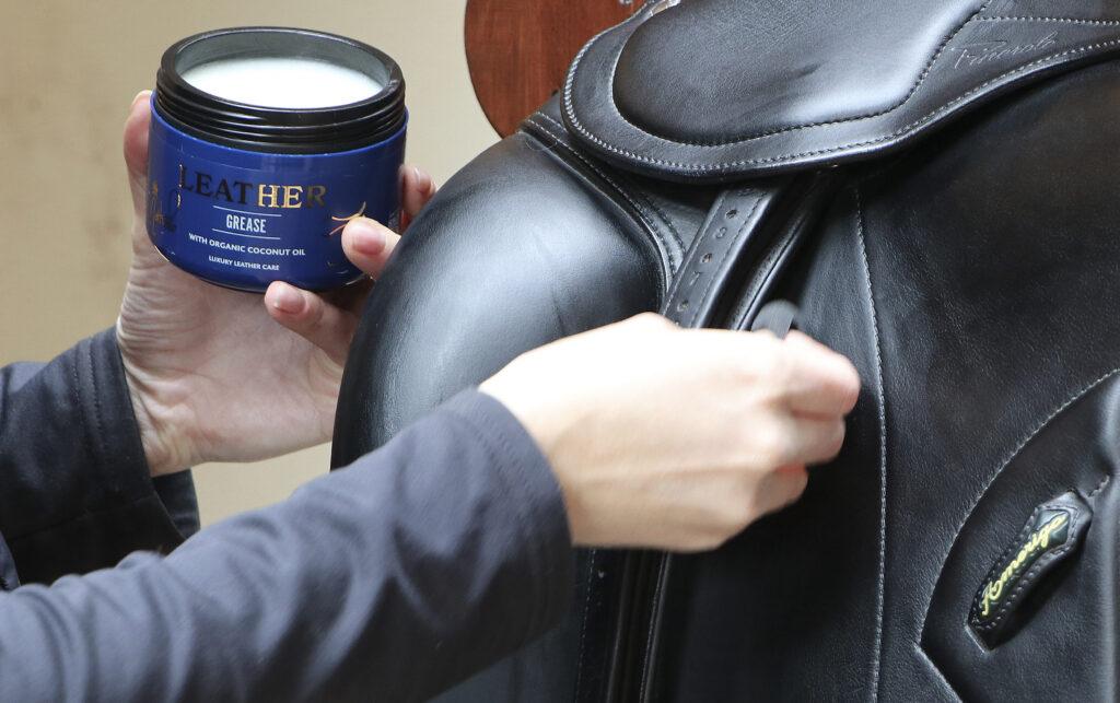 Forlæng læderets levetid med den rigtige pleje